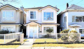 "Photo 3: 5657 KERR Street in Vancouver: Collingwood VE House for sale in ""Collingwood"" (Vancouver East)  : MLS®# R2384595"