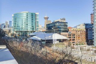 """Photo 2: 101 REGIMENT Square in Vancouver: Downtown VW Townhouse for sale in """"Spectrum"""" (Vancouver West)  : MLS®# R2386608"""