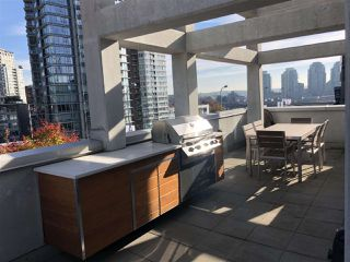 """Photo 3: 101 REGIMENT Square in Vancouver: Downtown VW Townhouse for sale in """"Spectrum"""" (Vancouver West)  : MLS®# R2386608"""