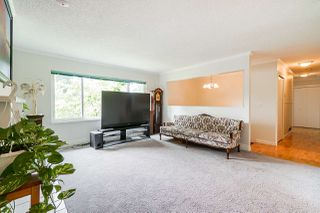 Photo 3: 15420 96A Avenue in Surrey: Guildford House for sale (North Surrey)  : MLS®# R2388526