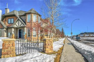 Photo 3: 40 EVERSYDE Park SW in Calgary: Evergreen Row/Townhouse for sale : MLS®# C4283416