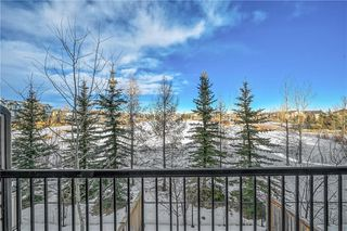 Photo 4: 40 EVERSYDE Park SW in Calgary: Evergreen Row/Townhouse for sale : MLS®# C4283416