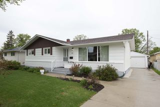 Photo 1: 41 Cabot Crescent in Winnipeg: Pulberry Residential for sale (2C)  : MLS®# 202011404