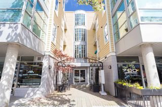 Photo 1: 303 2929 W 4TH Avenue in Vancouver: Kitsilano Condo for sale (Vancouver West)  : MLS®# R2480581