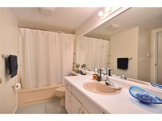 """Photo 7: 109 910 W 8TH Avenue in Vancouver: Fairview VW Condo for sale in """"THE RHAPSODY"""" (Vancouver West)  : MLS®# V871351"""
