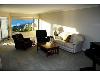 Photo 6: 5320 MEADFEILD RD in West Vancouver: Upper Caulfeild Townhouse for sale : MLS®# V1040089