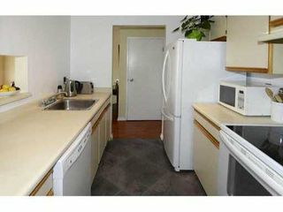 "Photo 5: 307 555 W 14TH Avenue in Vancouver: Fairview VW Condo for sale in ""CAMBRIDGE PLACE"" (Vancouver West)  : MLS®# V1055702"