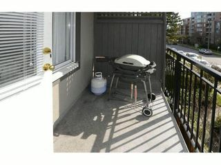 "Photo 10: 307 555 W 14TH Avenue in Vancouver: Fairview VW Condo for sale in ""CAMBRIDGE PLACE"" (Vancouver West)  : MLS®# V1055702"