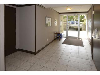 """Photo 12: 307 555 W 14TH Avenue in Vancouver: Fairview VW Condo for sale in """"CAMBRIDGE PLACE"""" (Vancouver West)  : MLS®# V1055702"""