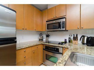 "Photo 8: 1801 15 E ROYAL Avenue in New Westminster: Fraserview NW Condo for sale in ""VICTORIA HILL"" : MLS®# V1058425"