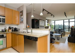 "Photo 7: 1801 15 E ROYAL Avenue in New Westminster: Fraserview NW Condo for sale in ""VICTORIA HILL"" : MLS®# V1058425"