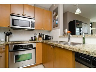 "Photo 9: 1801 15 E ROYAL Avenue in New Westminster: Fraserview NW Condo for sale in ""VICTORIA HILL"" : MLS®# V1058425"