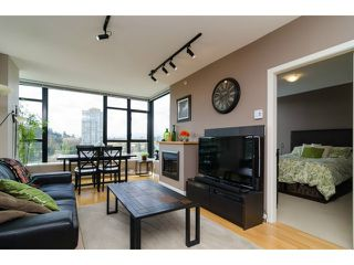 "Photo 3: 1801 15 E ROYAL Avenue in New Westminster: Fraserview NW Condo for sale in ""VICTORIA HILL"" : MLS®# V1058425"