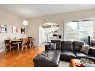 "Photo 3: 403 2588 ALDER Street in Vancouver: Fairview VW Condo for sale in ""BOLLERT PLACE"" (Vancouver West)  : MLS®# V1104076"