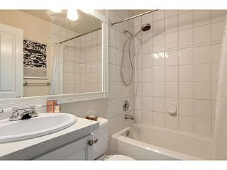 "Photo 9: 403 2588 ALDER Street in Vancouver: Fairview VW Condo for sale in ""BOLLERT PLACE"" (Vancouver West)  : MLS®# V1104076"