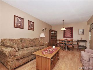 Photo 5: 5 3993 Columbine Way in VICTORIA: SW Tillicum Row/Townhouse for sale (Saanich West)  : MLS®# 696944