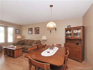 Photo 8: 5 3993 Columbine Way in VICTORIA: SW Tillicum Row/Townhouse for sale (Saanich West)  : MLS®# 696944