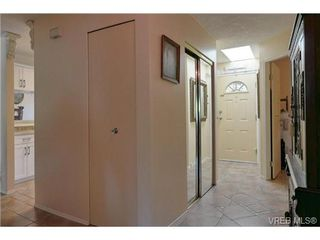 Photo 14: 19 4120 Interurban Rd in VICTORIA: SW Strawberry Vale Row/Townhouse for sale (Saanich West)  : MLS®# 702410