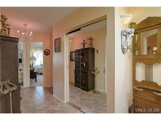 Photo 19: 19 4120 Interurban Rd in VICTORIA: SW Strawberry Vale Row/Townhouse for sale (Saanich West)  : MLS®# 702410