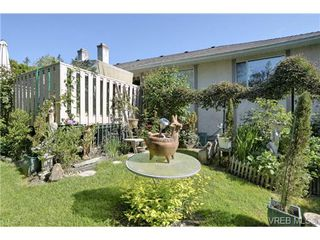 Photo 13: 19 4120 Interurban Rd in VICTORIA: SW Strawberry Vale Row/Townhouse for sale (Saanich West)  : MLS®# 702410