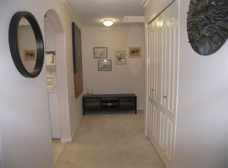 "Photo 3: 207 1929 154 Street in Surrey: King George Corridor Condo for sale in ""STRATFORD GARDENS"" (South Surrey White Rock)  : MLS®# R2001839"