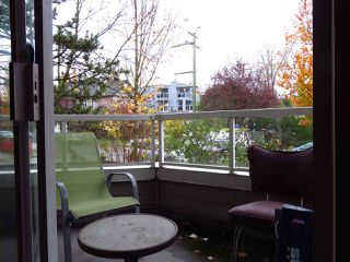 "Photo 10: 204 1481 E 4TH Avenue in Vancouver: Grandview VE Condo for sale in ""Scenic Villa"" (Vancouver East)  : MLS®# R2015438"