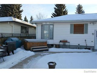 Photo 19: 2208 Clarence Avenue South in Saskatoon: Queen Elizabeth Single Family Dwelling for sale (Saskatoon Area 02)  : MLS®# 561108