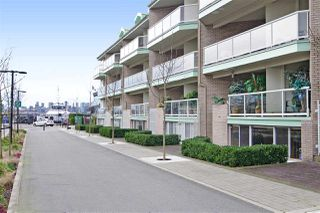 "Photo 2: 3103 33 CHESTERFIELD Place in North Vancouver: Lower Lonsdale Condo for sale in ""Harbourview Park"" : MLS®# R2037524"