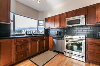 "Photo 3: 611 1442 FOSTER Street: White Rock Condo for sale in ""White Rock Square 3"" (South Surrey White Rock)  : MLS®# R2040854"