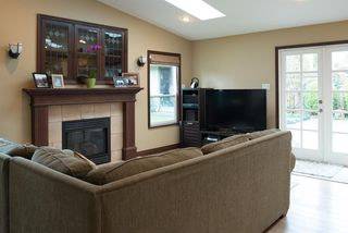 """Photo 10: 1207 SILVERWOOD Crescent in North Vancouver: Norgate House for sale in """"Norgate"""" : MLS®# R2126161"""