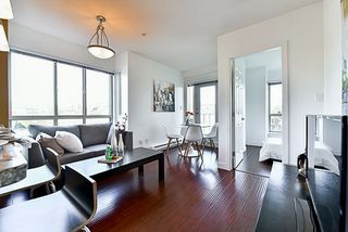 """Photo 11: 201 702 E KING EDWARD Avenue in Vancouver: Fraser VE Condo for sale in """"Magnolia"""" (Vancouver East)  : MLS®# R2140513"""