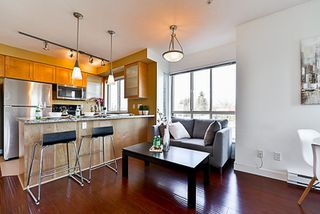 "Photo 8: 201 702 E KING EDWARD Avenue in Vancouver: Fraser VE Condo for sale in ""Magnolia"" (Vancouver East)  : MLS®# R2140513"