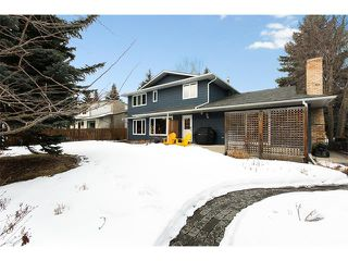 Photo 3: 619 WILDERNESS Drive SE in Calgary: Willow Park House for sale : MLS®# C4101330