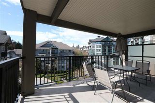 """Photo 2: 401 9283 GOVERNMENT Street in Burnaby: Government Road Condo for sale in """"SANDLEWOOD BY POLYGON"""" (Burnaby North)  : MLS®# R2146819"""