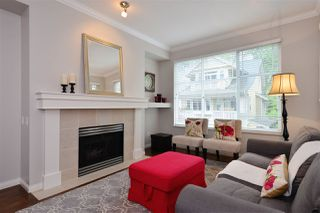 """Photo 2: 72 2588 152 Street in Surrey: King George Corridor Townhouse for sale in """"Woodgrove"""" (South Surrey White Rock)  : MLS®# R2162320"""