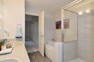 """Photo 12: 72 2588 152 Street in Surrey: King George Corridor Townhouse for sale in """"Woodgrove"""" (South Surrey White Rock)  : MLS®# R2162320"""