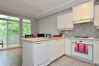 """Photo 4: 72 2588 152 Street in Surrey: King George Corridor Townhouse for sale in """"Woodgrove"""" (South Surrey White Rock)  : MLS®# R2162320"""