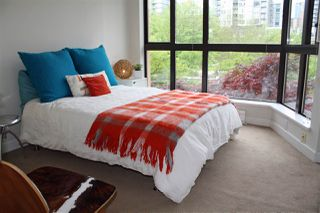 """Photo 8: 309 488 HELMCKEN Street in Vancouver: Yaletown Condo for sale in """"ROBINSON TOWER"""" (Vancouver West)  : MLS®# R2169760"""