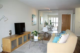 """Photo 4: 309 488 HELMCKEN Street in Vancouver: Yaletown Condo for sale in """"ROBINSON TOWER"""" (Vancouver West)  : MLS®# R2169760"""
