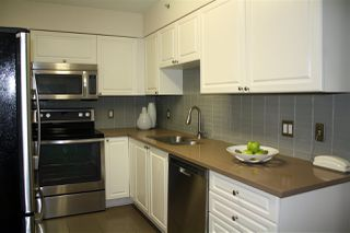 """Photo 5: 309 488 HELMCKEN Street in Vancouver: Yaletown Condo for sale in """"ROBINSON TOWER"""" (Vancouver West)  : MLS®# R2169760"""