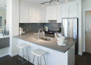 Photo 6: 311 9877 UNIVERSITY CRESCENT in Burnaby: Simon Fraser Univer. Condo for sale (Burnaby North)  : MLS®# R2144150
