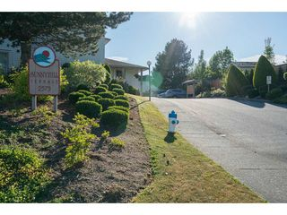 "Photo 2: 2 2575 MCADAM Road in Abbotsford: Abbotsford East Townhouse for sale in ""Sunnyhill Terrace"" : MLS®# R2185058"