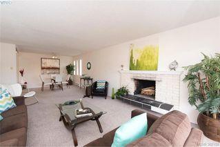 Photo 2: 302 1012 Pakington Street in VICTORIA: Vi Fairfield West Condo Apartment for sale (Victoria)  : MLS®# 382159