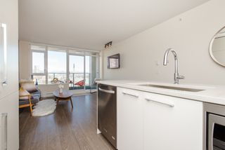 "Photo 17: 1008 668 COLUMBIA Street in New Westminster: Quay Condo for sale in ""Trapp & Holbrook"" : MLS®# R2226399"