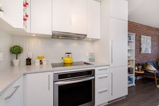 """Photo 16: 1008 668 COLUMBIA Street in New Westminster: Quay Condo for sale in """"Trapp & Holbrook"""" : MLS®# R2226399"""