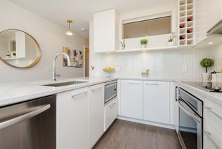 "Photo 15: 1008 668 COLUMBIA Street in New Westminster: Quay Condo for sale in ""Trapp & Holbrook"" : MLS®# R2226399"