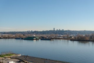 "Photo 27: 1008 668 COLUMBIA Street in New Westminster: Quay Condo for sale in ""Trapp & Holbrook"" : MLS®# R2226399"