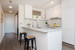 "Photo 49: 1008 668 COLUMBIA Street in New Westminster: Quay Condo for sale in ""Trapp & Holbrook"" : MLS®# R2226399"