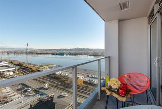 "Photo 14: 1008 668 COLUMBIA Street in New Westminster: Quay Condo for sale in ""Trapp & Holbrook"" : MLS®# R2226399"