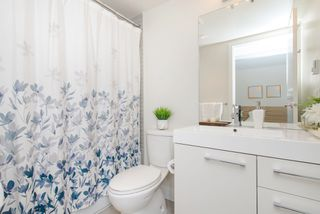 """Photo 10: 1008 668 COLUMBIA Street in New Westminster: Quay Condo for sale in """"Trapp & Holbrook"""" : MLS®# R2226399"""